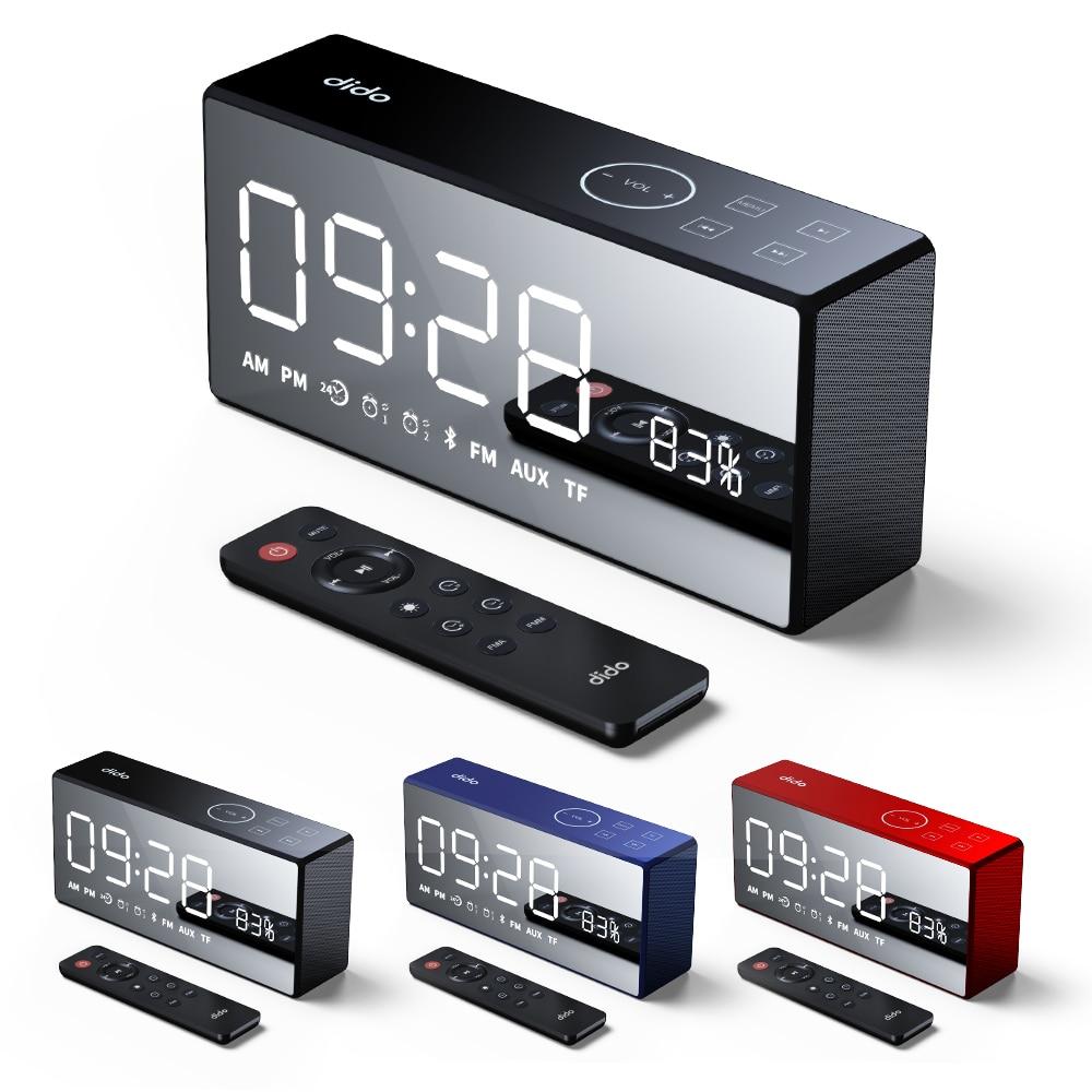 Nouvelle arrivée Chaude Portable Affichage de L'heure D'alarme Horloge FM Radio TF Support de la Carte Bluetooth Haut-Parleur Intégré 4000 mah Batterie