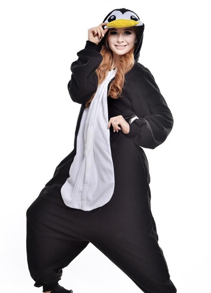3478a0b28cab9 Mignon pingouin Kigurumi pyjamas animaux costumes Cosplay Halloween Costume  adulte vêtement dessin animé combinaisons homme et femme Animal endormi  dans de ...