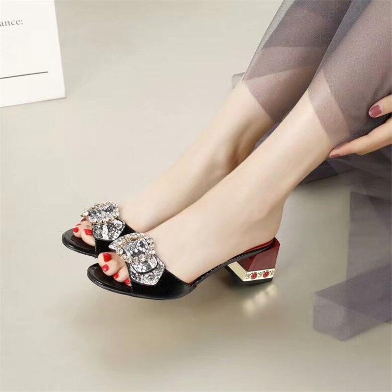 Шлепанцы с открытым носком, украшенные стразами и бантом, женская кожаная обувь на толстом квадратном каблуке, новая модная летняя женская обувь - 3