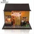 Diy De Madeira casa de Bonecas Em Miniatura Modelo de Construção 3D Kit Assembléia Handmade Dollhouse Brinquedo Bonecas de Presente de Aniversário Presente-Sakura Sushi loja
