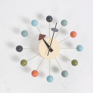 Новые модные часы простые популярные дизайнерские красивые современные роскошные декоративная деревянная, настенные часы с шариками для д...