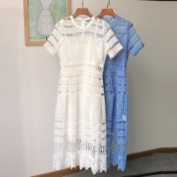 As mulheres Atam o Vestido Designer 2018 Elegante Azul Branco Oco Out Vestidos Midi
