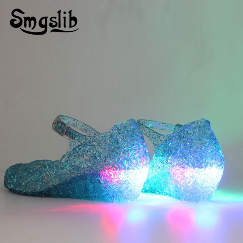 Girls Shoes Glowing Sandals Kids Led Light Shoes 2019 Children Elsa Sandals Baby Girls Flat Princess Beach Sandals Casual Shoes