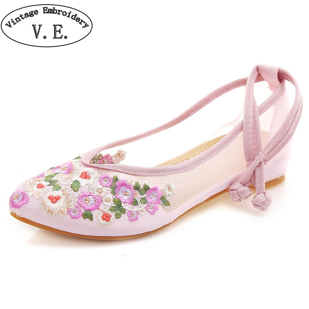 все цены на Summer Women Sandals Pointed Toe Air Mesh Woman Flat Shoes Floral Embroidery Casual Ballerina Shoes Zapatos Mujer Casual онлайн