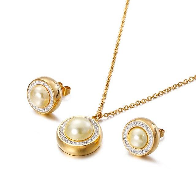 Zircon Pearl Round Charm...
