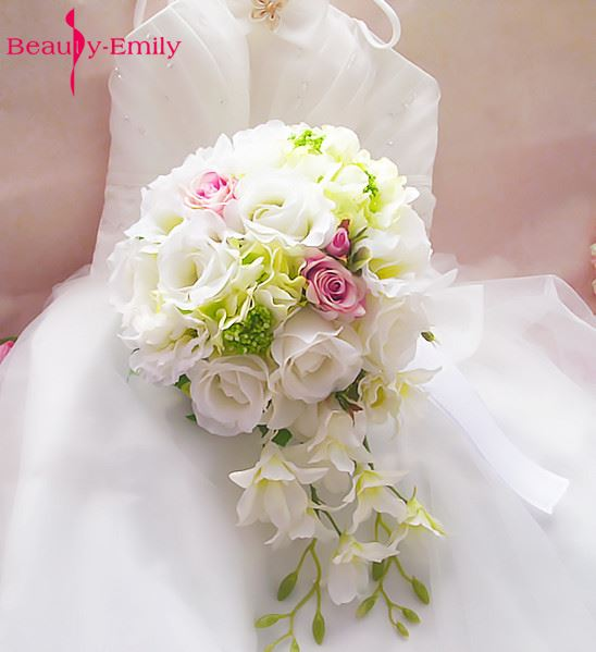 2017 romantic bridal bouquet hand holding wedding bouquet