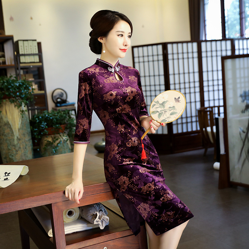 b1cda5b8e7bf7 Plus Size XXXXL Chinese Women Traditional Velvet Qipao Vintage Flower  Cheongsam Sexy short Dress Female Elegant Slim Dress-in Dresses from  Women s Clothing ...