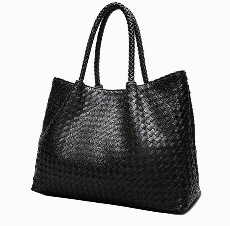 2016 NEW popular hand-woven shoulder bag handbag star models autumn and winter big black bag hand vertical section new mf8 eitan s star icosaix radiolarian puzzle magic cube black and primary limited edition very challenging welcome to buy