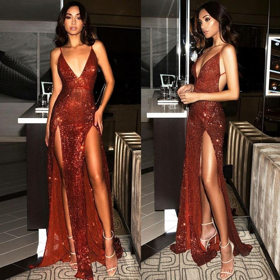 2019 Sexy Deep V-Neck Slit Open Back Prom Dress Long Smiple Burgundy Spaghetti Straps Sparkly Sequined Evening Party Dress