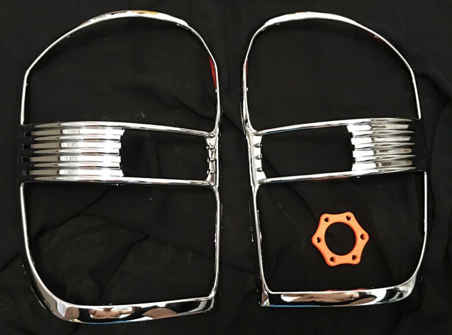 Otomobiller ve Motosikletler'ten Tamponlar'de Toyota rav4 aksesuarlar ABS krom arka lamba kapağı şeritler trim fit toyota rav 4 2001 2005 için kuyruk aydınlatma koruması araba şekillendirici title=