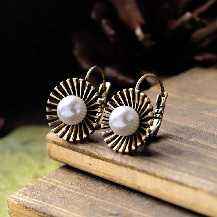New Arrival Dainty Vintage Sunflower Simulated-pearl Earrings Women Retro Brincos Earrings Bijoux Jewelry Gift E5197