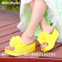 Handgemaakte bloem lage sleehak slippers sandalen voor vrouwen zomer mode slip op sandalia plataforma Strand schoen slippers