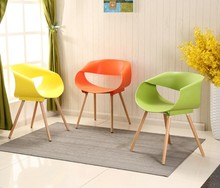 2 Pieces of Set Plastic Chair Furniture Simple Fashion Creative Leisure Negotiate Dining Room Chairs Colored Wood Contemporary