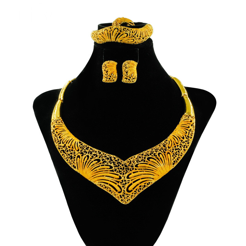 Sales High Quality African Big Bride Accessories Gold Jewelry Pendant Necklace Earrings Fashion Nigerian Bridal Jewelry Sets