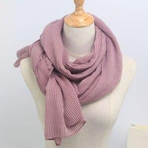 Image 5 - أوشحة شتوية ناعمة طويلة مجعد بتصميم ساخن وشاح إسلامي منسوج للحجاب 25 لونًا