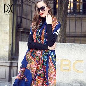 Image 1 - 2019 lã quadrada cabeça cachecóis feminino elegante senhora carf e xale quente longa impressão animal stoles bandana lenço hijab praia cobertor