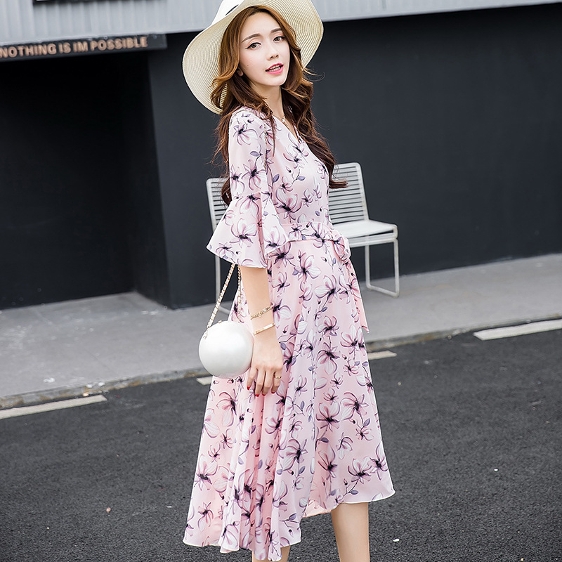 2018 Women Dress in Fashionable short-sleeved Summer sleeve v-neck lotus leaf flower printing Maternity Clothes