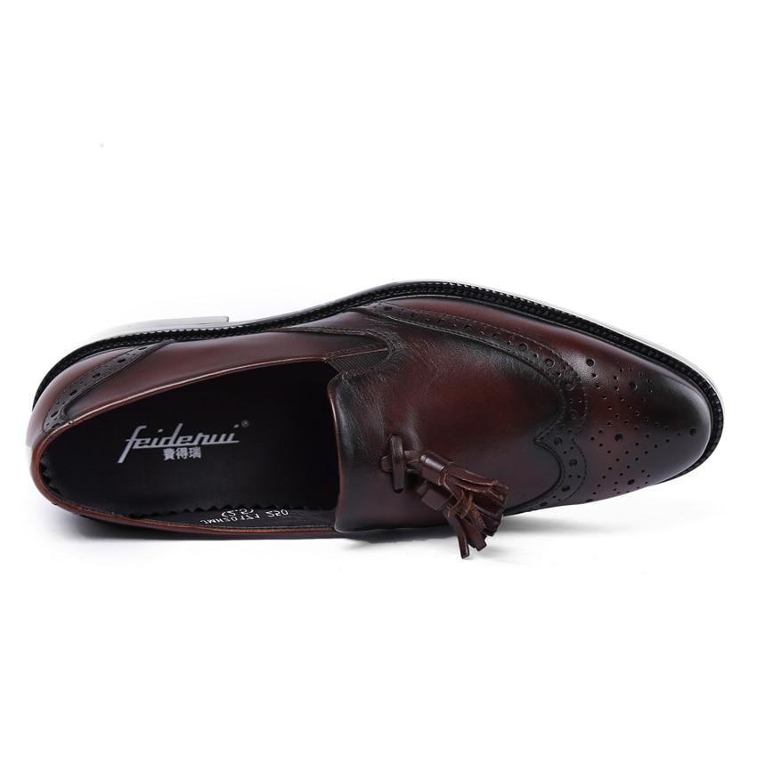 Del Resbalón Brogue Tallado Hecho marrón Vendimia En A Negro Hombres Mano Auténtico Hombre Británico Diseñador Formal Zapatos Vestido Dedo Mocasines Cuero Pie Ymx256 Redonda q8fqwvCH