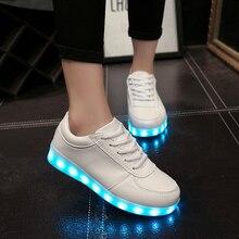 Бесплатная Доставка Новая Мода Люминесцентная Женщина Повседневная Обувь Зашнуровать Кратким USB Зарядки Легкие Ботинки Черный Белый Горячие Продажа ST298