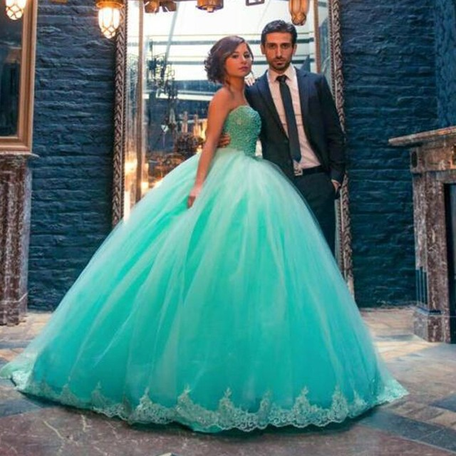2017 Mint Green Quinceanera Dresses Beaded Lace Applique Sweet 15 ...