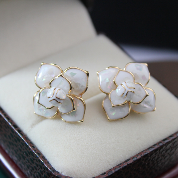 EH23 camellia brand Designers flowers kpop 20167 jewelry pendientes brincos boucles  d oreilles bijoux earrings for women-in Stud Earrings from Jewelry ... 33b6a6268578