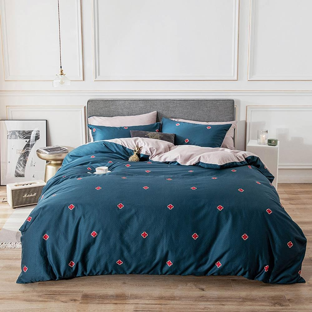 2019 Red Crosses Dark Blue Brief Bed Cover Duvet Cover Set Cotton Bedlinens Twin Queen King Flat Sheet Fitted Sheet Bedding Set2019 Red Crosses Dark Blue Brief Bed Cover Duvet Cover Set Cotton Bedlinens Twin Queen King Flat Sheet Fitted Sheet Bedding Set