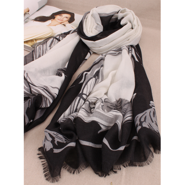 2016 New Fashion Lady Scarves Black and White Style Shawl Scarves Wild Paragraph Scarf Horse Pattern Scarves, shawls, stoles