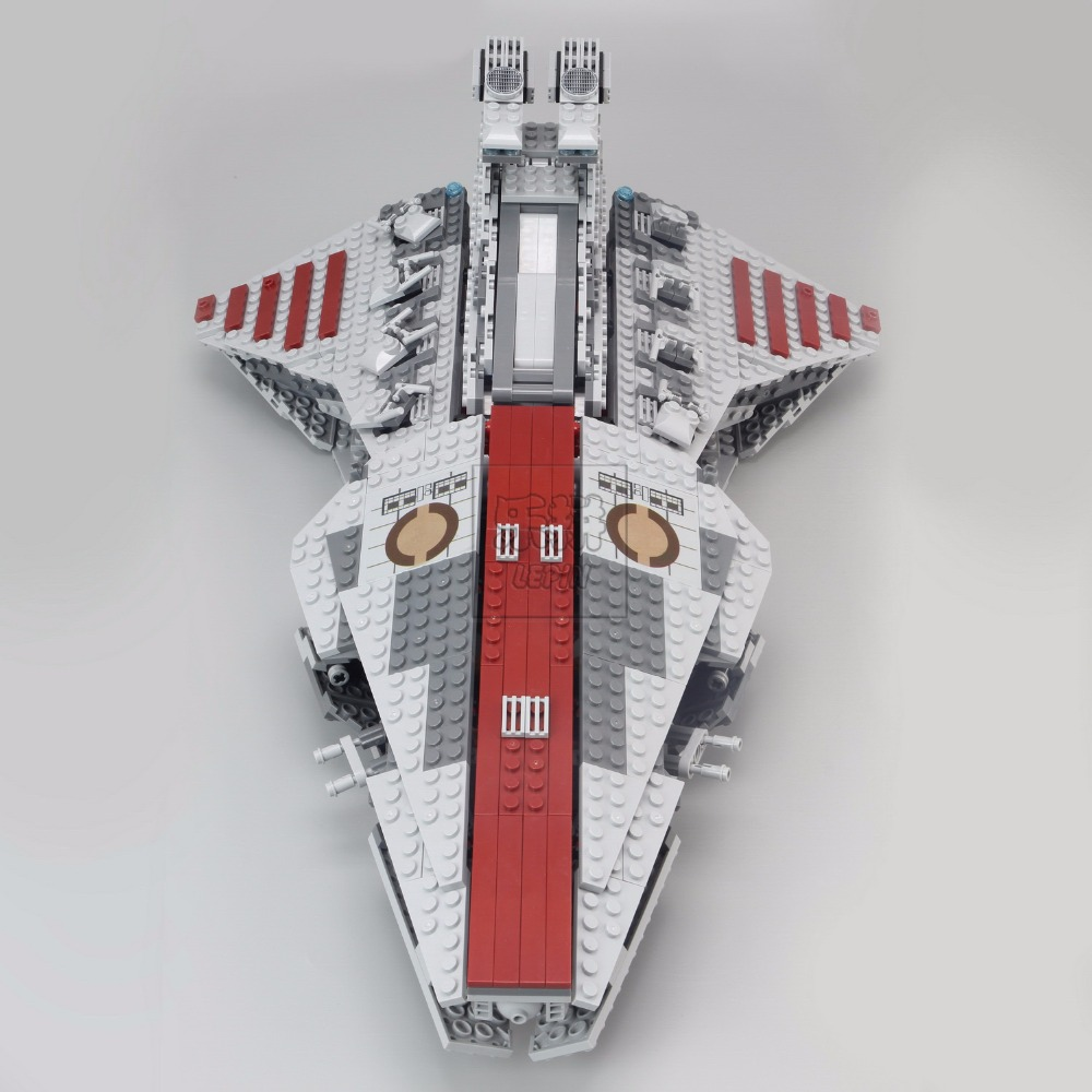 Lepin 05042 Star Series War Republic Toys Fighting Set Cruiser Set Building Blocks Bricks Toys Compatible with Lego   8039 lepin 02012 city deepwater exploration vessel 60095 building blocks policeman toys children compatible with lego gift kid sets