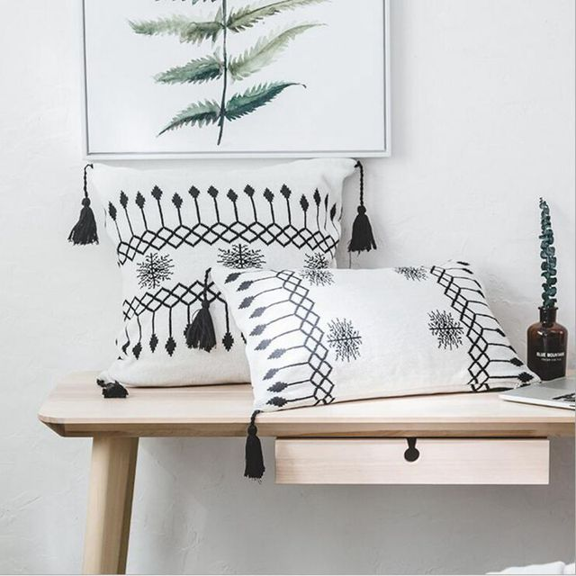 Nordic Home Decoration Black Ans White Knitting Style Cushion Cover Tassel Decor Bed Chair Throw Pillow Case Square Rectangular