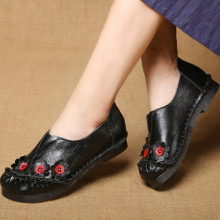 Autumn folk style retro flower round head deep mouth flat bottom handmade shoes leather soft women