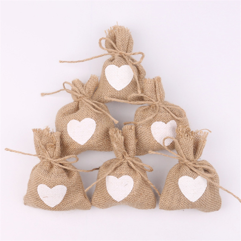 10Pcs 11x15cm  Love Heart Pattern Jute Linen Drawstring Bags Wedding Favors And Gifts Candy Pouch Drop Shipping BB382