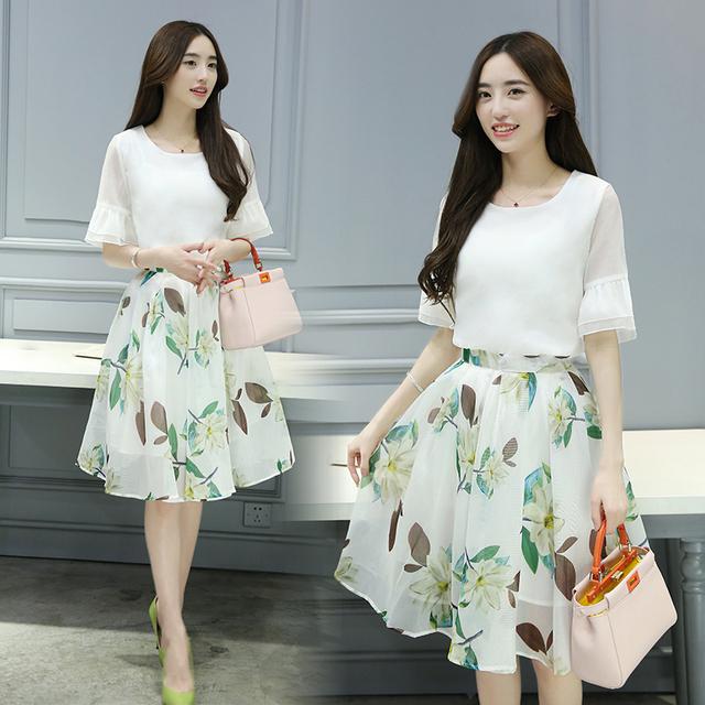 Plus de gran tamaño primavera verano 2016 nueva 2 unidades set gasa de la impresión floral recortada top falda mujeres que arropan B0007