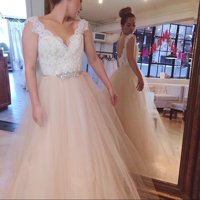 V Neck Beaded Wedding Gowns: 2016 Elegant Lace A Line Wedding Dresses V Neck Beaded