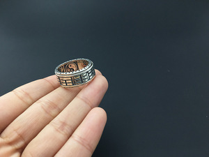 Image 4 - 925 Sterling Silver Retro Thai Silver The Eight Trigrams Ring Men Fashion Personality Rotate Ring