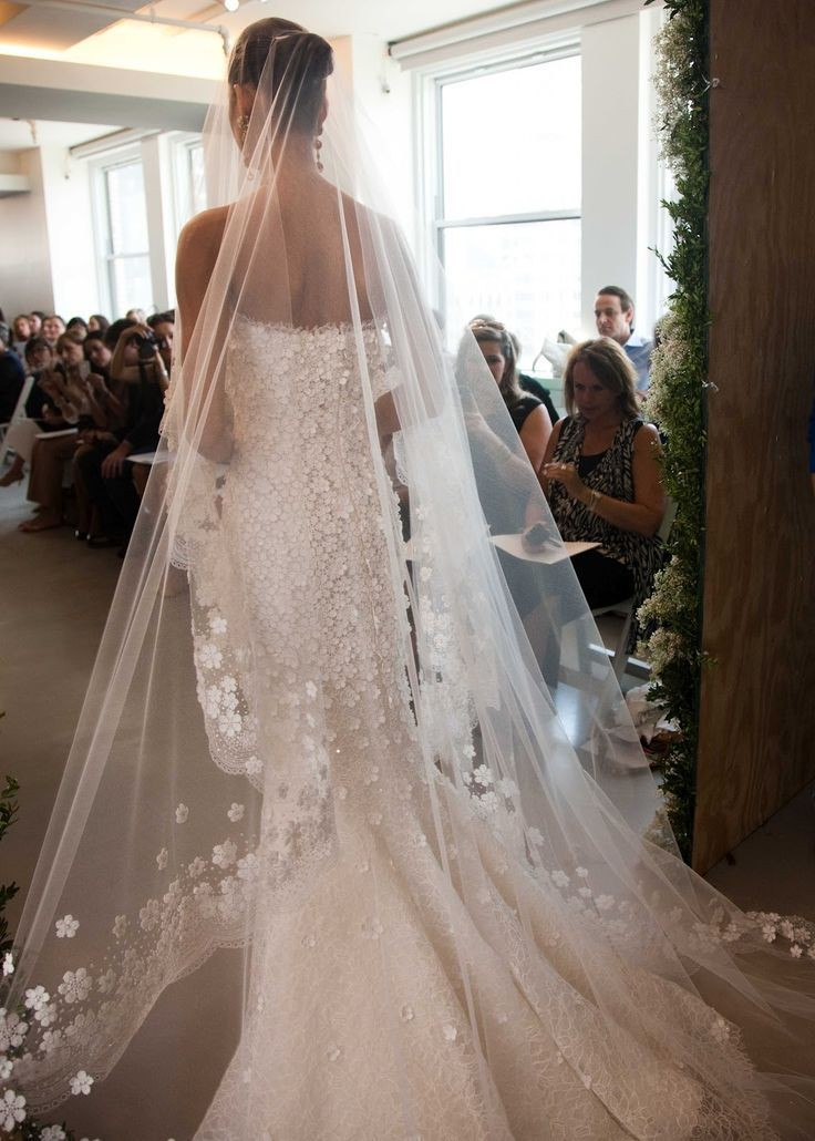 White-Ivory-Cathedral-Wedding-Veil-With-Comb-3M-Long-Lace-Mantilla-Bridal-Veil-Accessories-With-Flowers