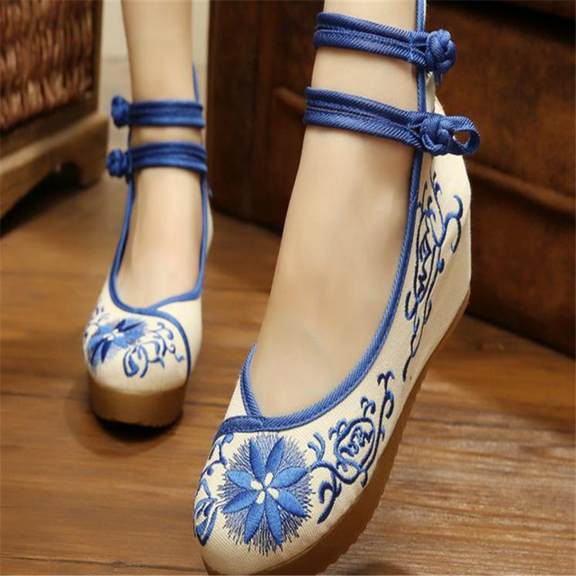 Free shipping Chinese porcelain embroidered folk characteristics of old  Beijing female shoes size 34-41 a378dcc804f1