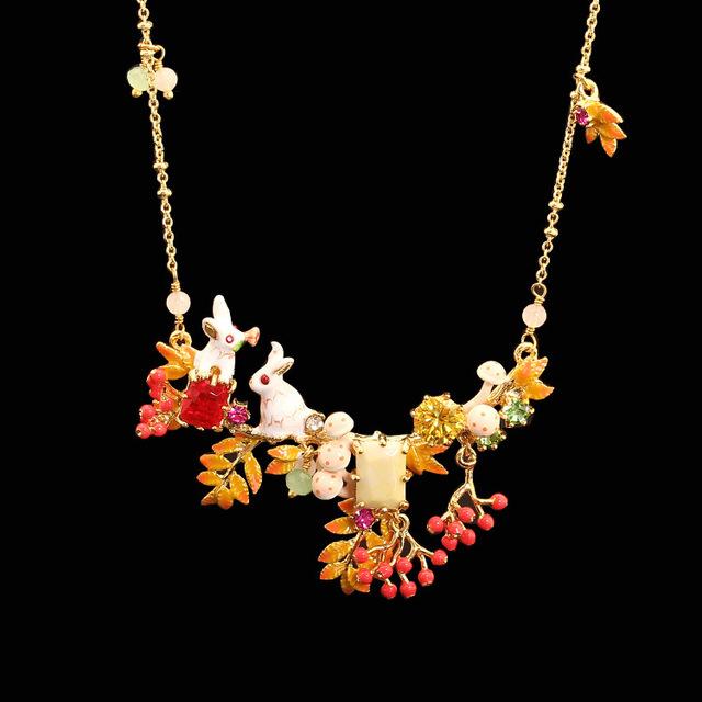 LES Nereides Nuevas Llegadas Esmalte Alice Pequeño Conejo Blanco Plateado Collar de Oro Joyería de La Cadena Mujeres Clavícula Collar de Moda
