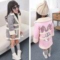 Новый 2015 осень зима милый мультфильм кролик шаблон Замши девушки пальто плюс бархат теплой детской одежды куртка костюм 2 ~ 7 возраст ребенка пальто