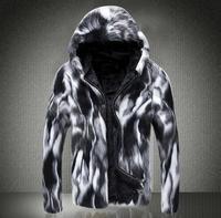 フード付き厚みの暖かいフェイクファーのコートメンズ革のジャケット男