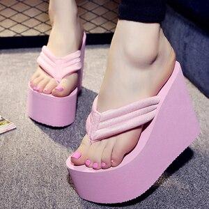 Image 3 - Новинка; Летние пикантные женские тапочки; Женские шлепанцы для отдыха; Пляжные шлепанцы на высокой платформе; Модная обувь; Повседневные женские сандалии