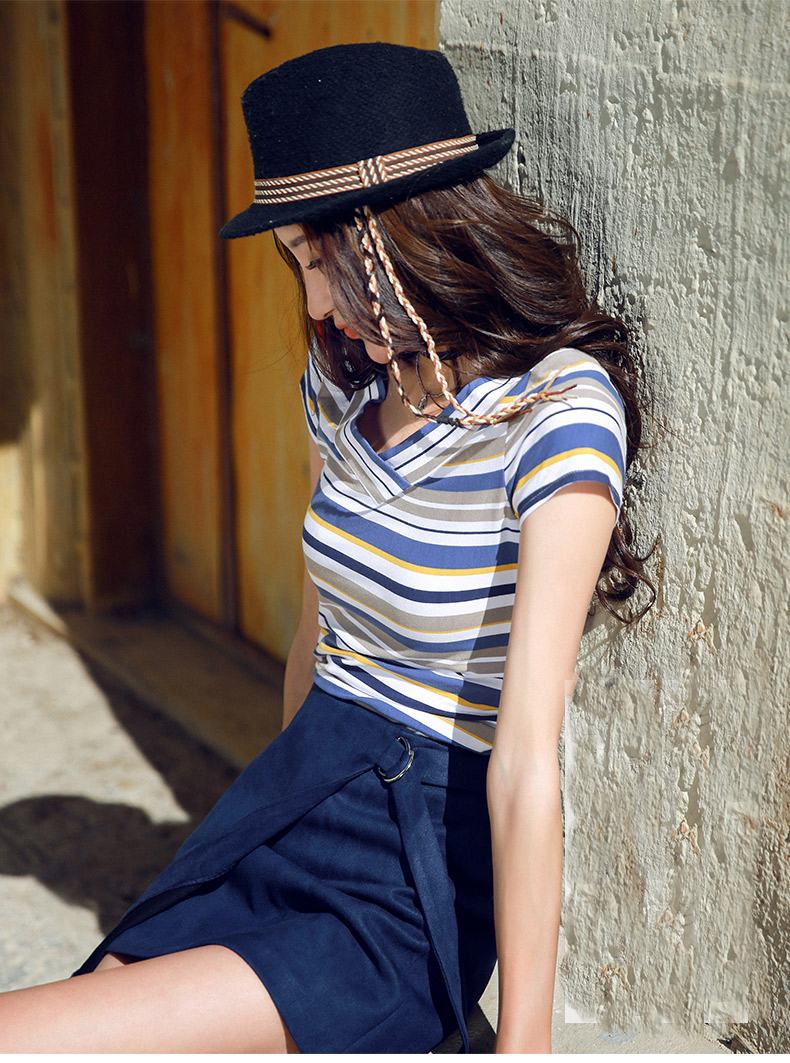 2018 été à manches courtes T-shirt Slim t-shirts motif de broderie T-shirt col en V femme motif de fleurs hauts 2 couleurs chaud Couples noir T