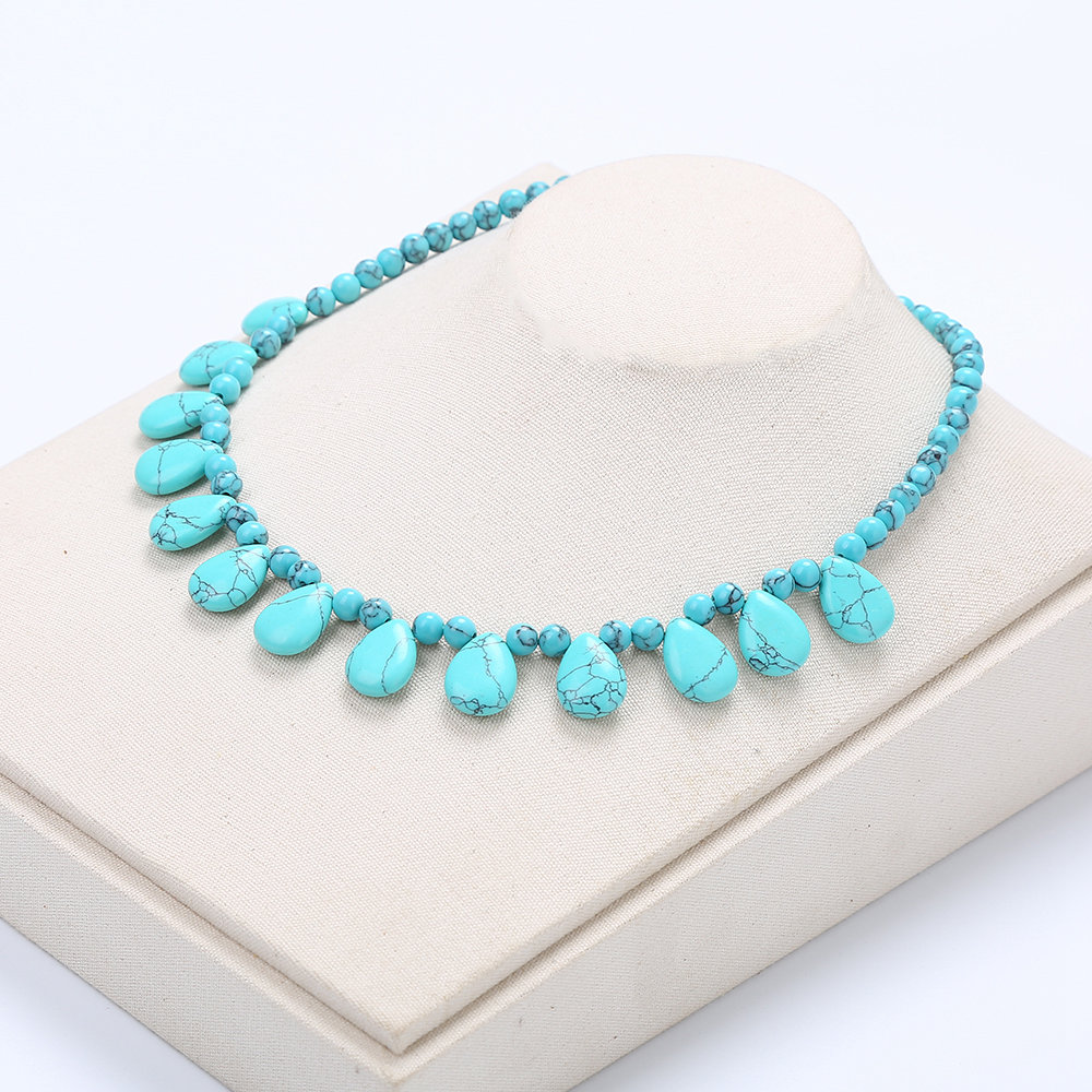 Turquoise Necklace Natural Crystal Power Stone Popular Women Bead Chain Fashion Water Drop Amber Glow In The Dark Necklace LoveTurquoise Necklace Natural Crystal Power Stone Popular Women Bead Chain Fashion Water Drop Amber Glow In The Dark Necklace Love