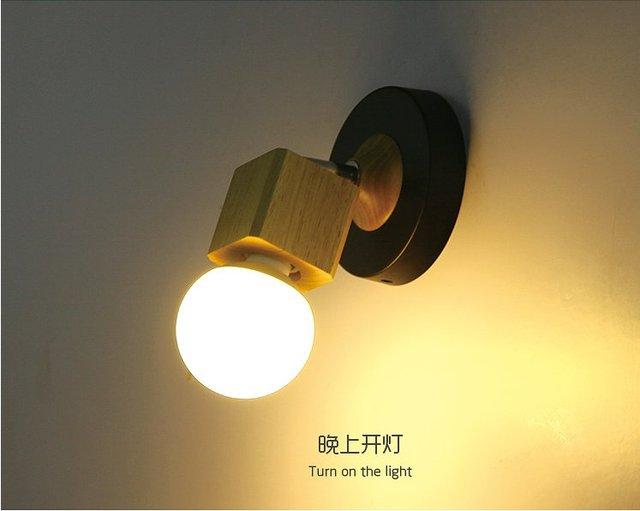 Moderna lampada da parete in legno massello coperchio di ferro luce