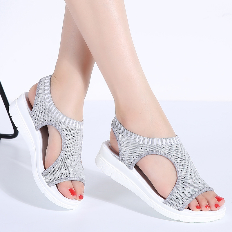 2018 summer new student fashion preparation female sandals thick bottom set foot shoes fashion running wild slippers 58