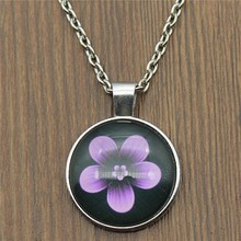 Black Background Flower Picture Glass Cabochon Necklace 2 Colors Vintage Women Fashion Jewelry