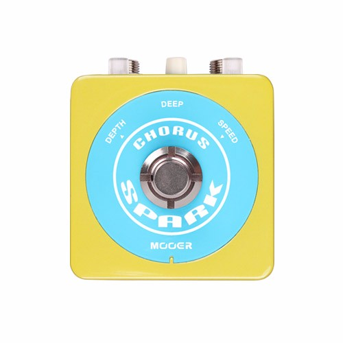 Mooer Classic 80s Chorus Sound Spark Series Guitar Effect Pedal True Bypass mooer ensemble queen bass chorus effect pedal mini guitar effects true bypass with free connector and footswitch topper