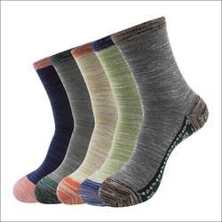 2017 Модный дизайн шаблона Мужские носки Зимние хлопковые носки для мужчин Повседневные носки Высокое качество Жаккардовые мужские носки