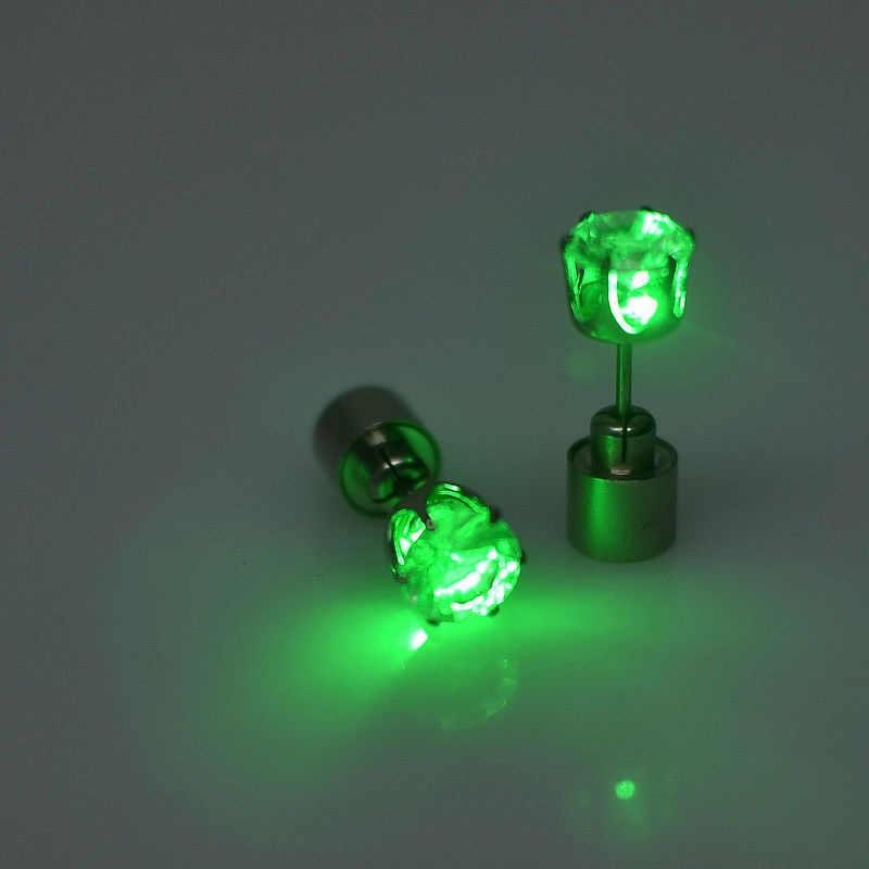 1 쌍 라이트 업 LED 유니섹스 귀걸이 스터드 깜박이 깜박이 스테인레스 스틸 귀걸이 스터드 댄스 파티 액세서리 다채로운