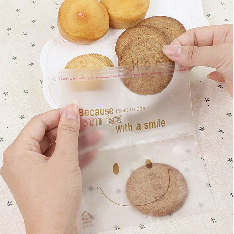 50Pcs Big Smile Party Cello Cookie Candy Treat Bags Self Adhesive Halloween Snack Biscuit Storage Bag High Quality P17