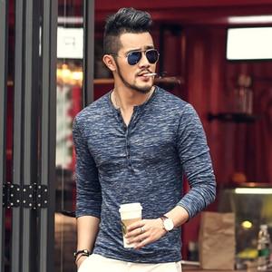 Image 2 - Nueva camiseta Henley para hombre, nueva camiseta, Tops de manga larga, camiseta ajustada elegante, con botones, informal, diseño Popular para hombre